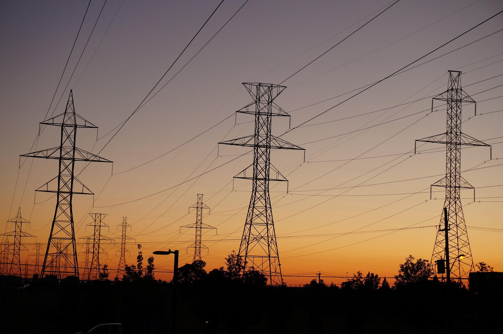 Zasady dochodzenia zapłaty za położenie nowych linii energetycznych w pasie drogowym przedmiotem umowy pomiędzy zarządcą drogi a właścicielem sieci przesyłowej